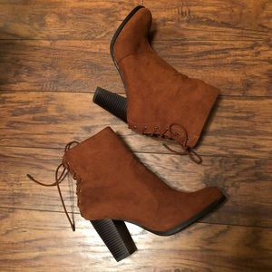 Rough never worn faux suede great boot